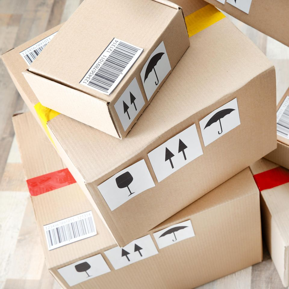 Retourenaufkleber: Pakete-Stapel