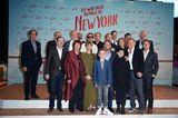 Filmpremiere: Schauspielerensemble auf dem roten Teppich