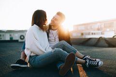 Reddit: Ein verliebtes Pärchen auf einem Dach