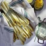 Spargel mit Dill-Senf-Creme