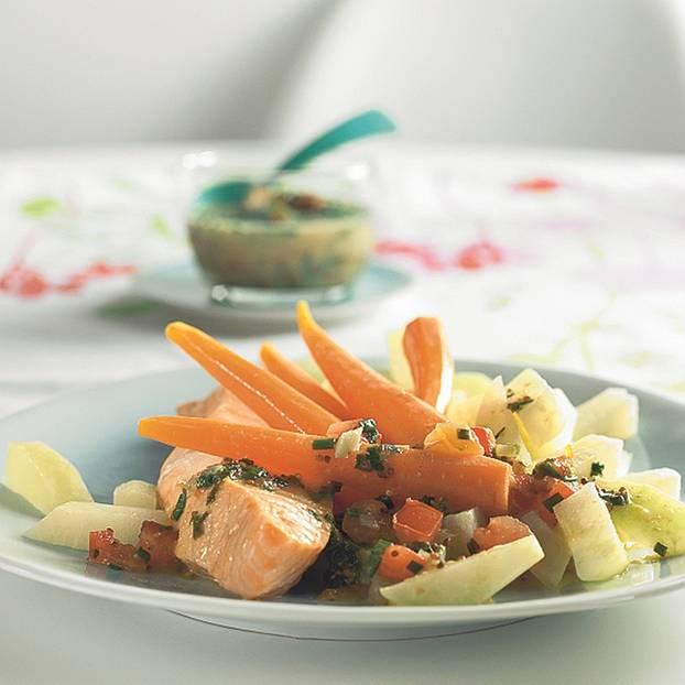 Lachs mit Senf-Tomaten-Soße