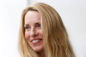 Die reichsten Frauen der Welt: Laurene Powell Jobs lächelt