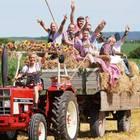 Inka Bause mit Bauern