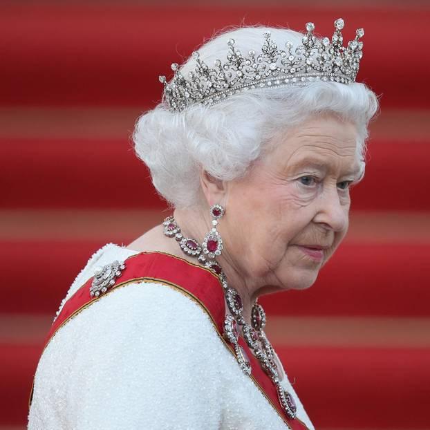 Queen Elizabeth: Angeschlagen bei Parlamentseröffnung