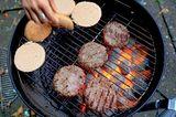 Halloween DIY für Kinder - 4 Anleitungen: Burger braten
