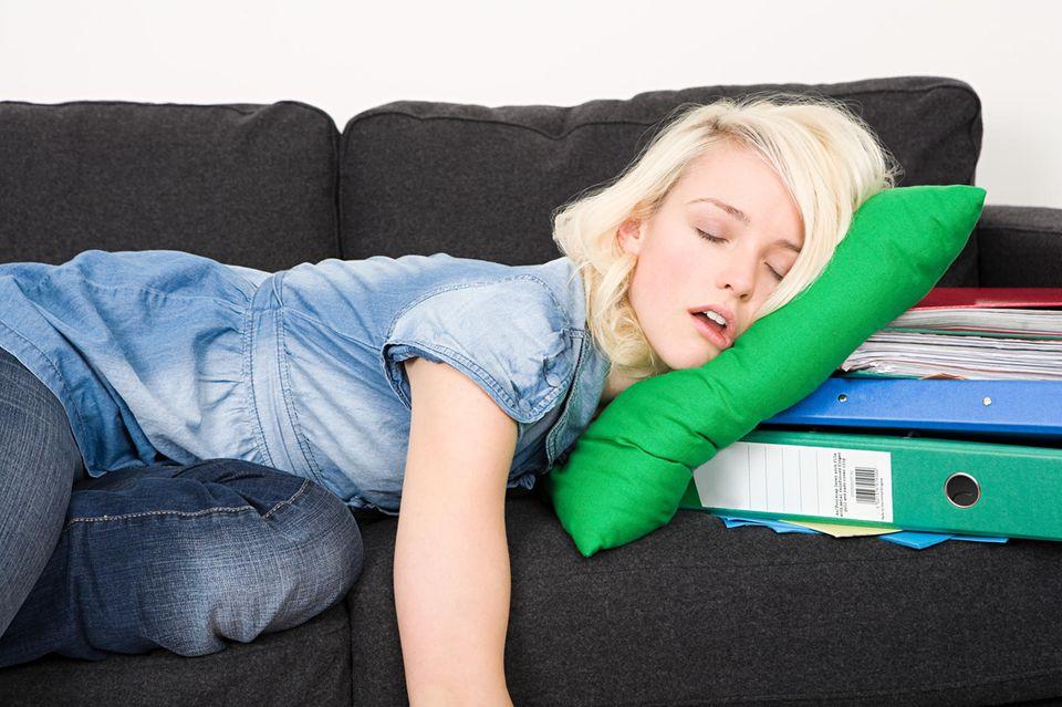 Frauen brauchen mehr Schlaf als Männer