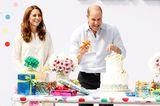 Herzogin Kate + Prinz William: vor einer Torte und Geschenken
