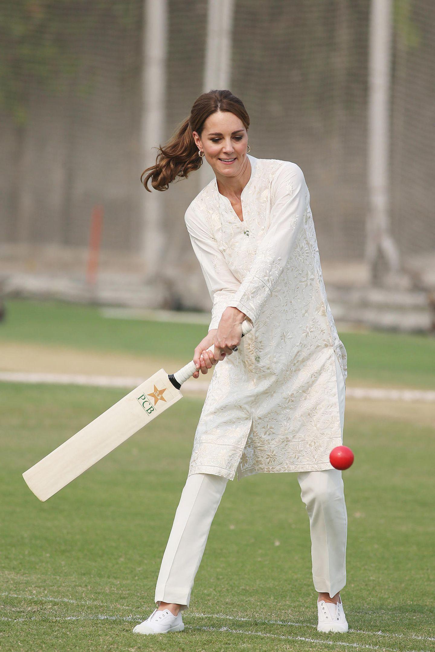 Herzogin Kate + Prinz William: spielt Cricket