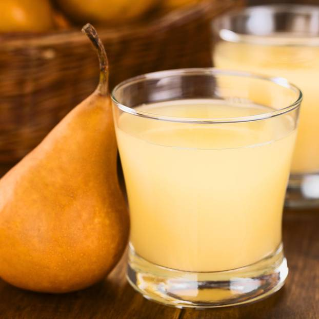 Birnensaft selber machen: Birnensaft in einem Glas
