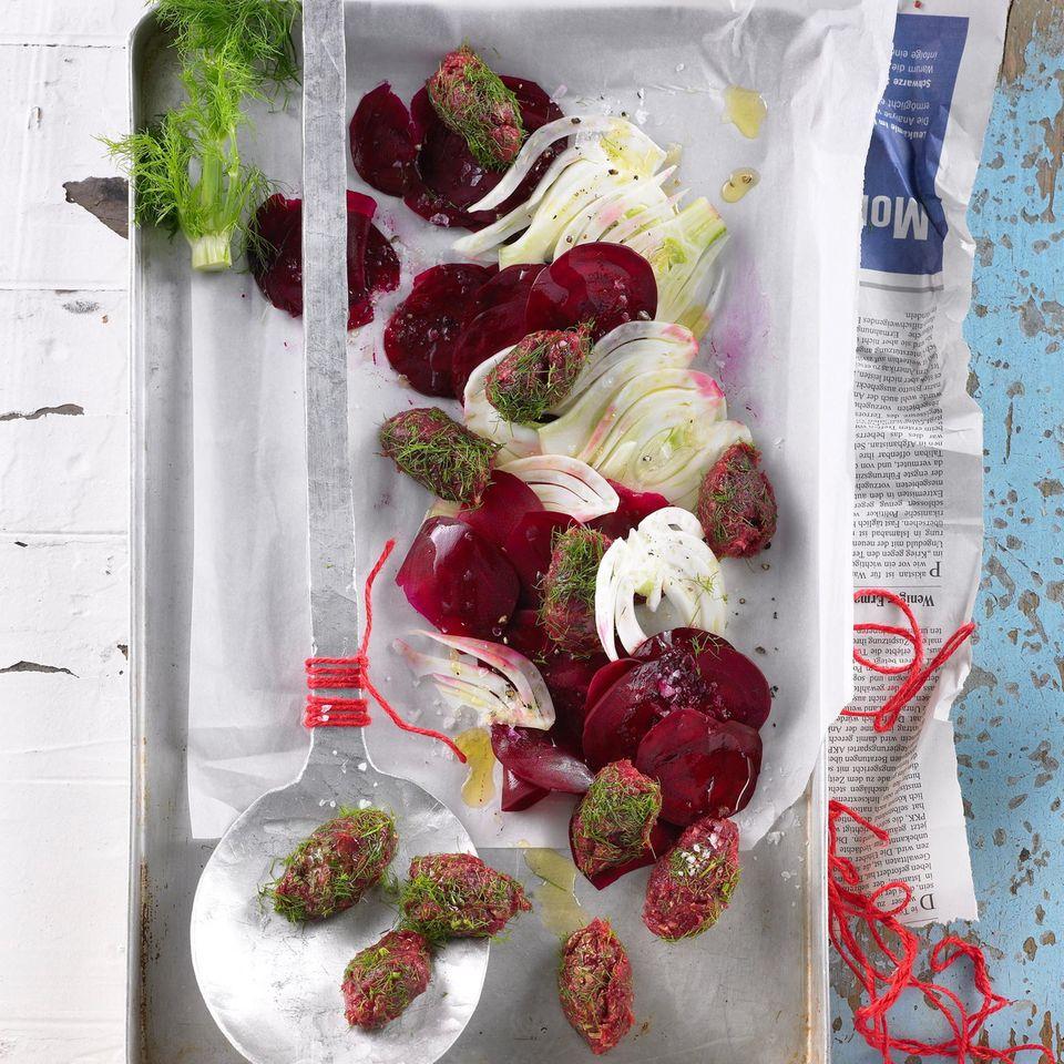 Tatarnocken auf Gemüsecarpaccio