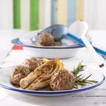 Gedämpfte Fleischklößchen auf Chicorée