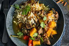 Lammschmortopf mit Kürbis und gewürztem Reis