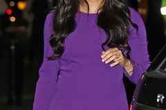 Schönstes Accessoire: Ihr Strahlen und die langen, sanft gewellten Haare, die Meghan immer wieder locker ins Gesicht fielen.