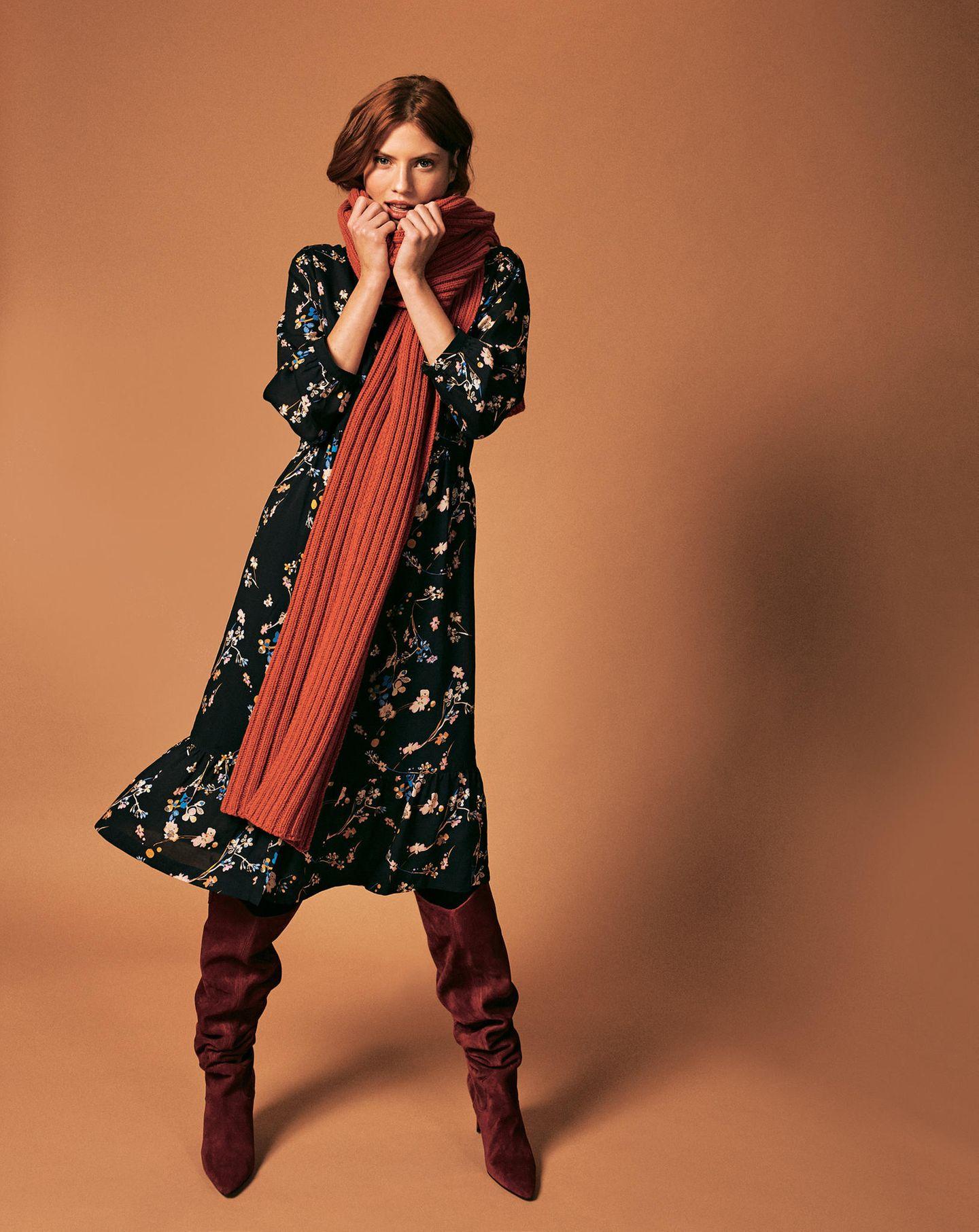 Fair Feminine Fashion von Brigitte & Lanius - alle Herbstteile: Schwarzes Blumenkleid