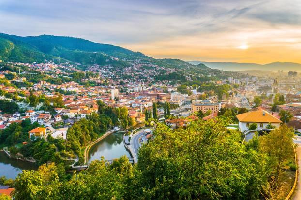Sarajevo - Die besten Reisetipps: Stadt im Talkessel