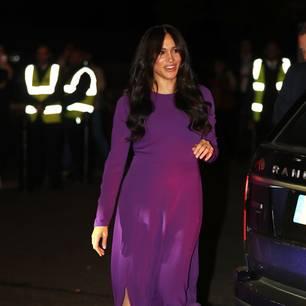 Royale Recycler: Meghan Markle im lila Kleid