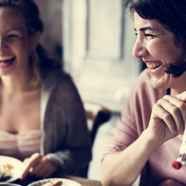 Frauenfreundschaften - deshalb werden sie immer besser: Zwei Frauen