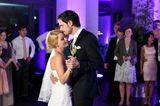 Hochzeit auf den ersten Blick: Bräutigam tanzt mit Braut
