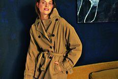 Camel Coat: Diese Modelle tragen wir 2019: Baumwolltrench mit Gürtel