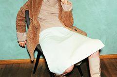 Camel Coat: Diese Modelle tragen wir 2019: Teddymantel über Rollkragenpullover und Midirock