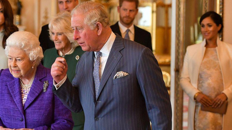 Queen Elizabeth und die Royal Family