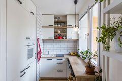 Wohnküche Ideen: Kleine Küche mit Theke