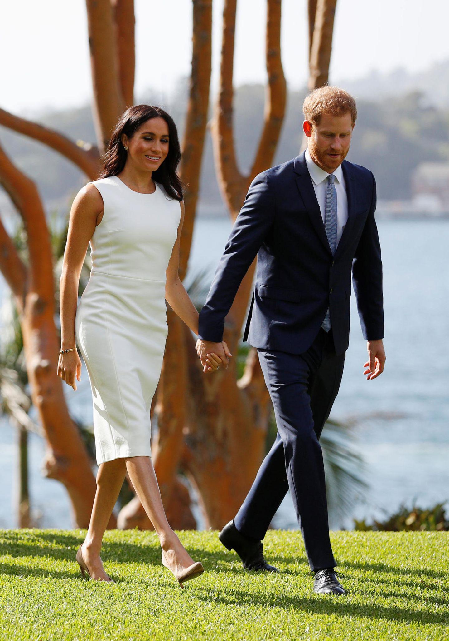 Lady Dianas Looks: Meghan Markle Hand in Hand mit Prinz Harry
