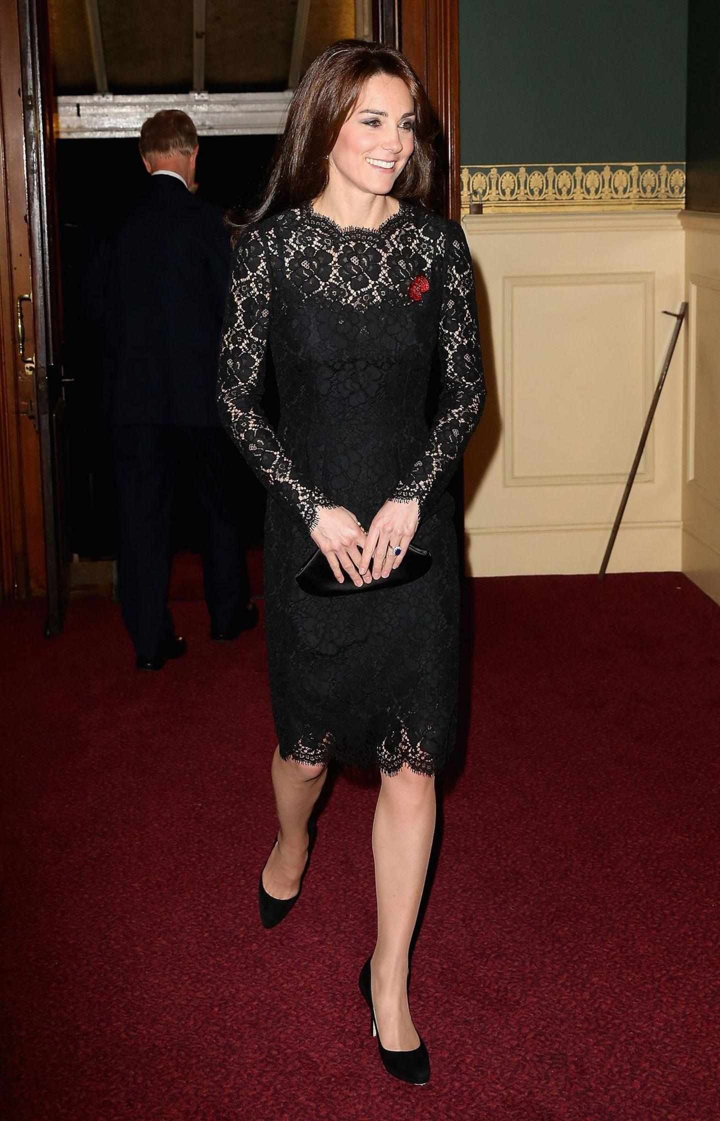 Lady Dianas Looks: Kate Middleton im schwarzen Kleid