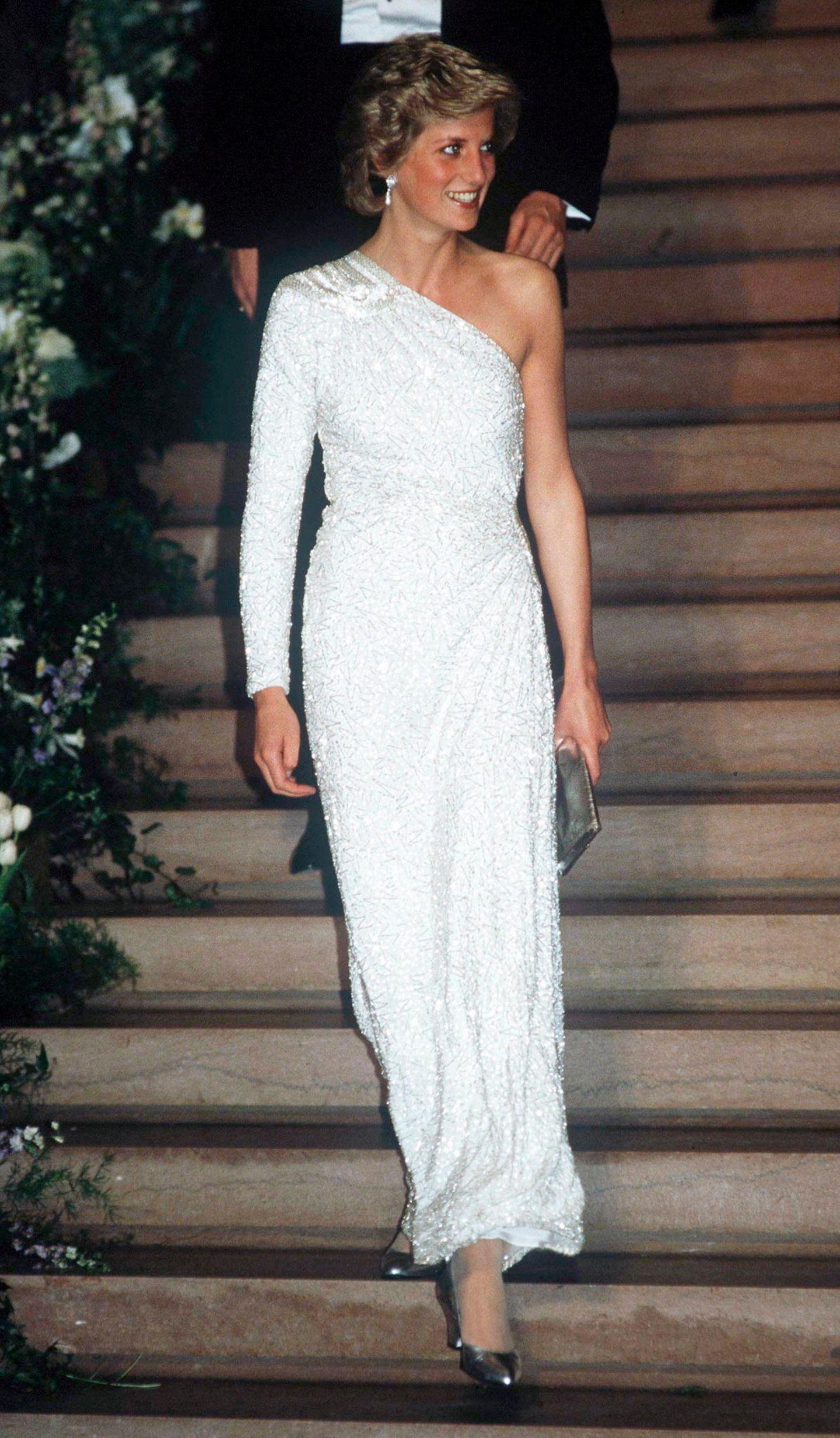 Lady Dianas Looks: Prinzessin Diana im weissen Abendkleid