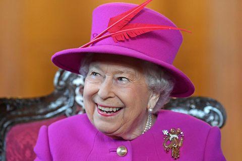 Queen Elizabeth wurde ein Joint angeboten – und so reagierte sie