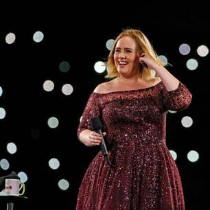 Sängerin Adele auf der Bühne