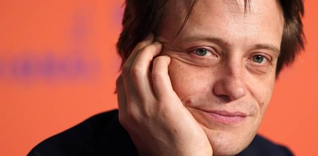 August Diehl offen wie nie: Über sein Wunsch, ein anderer zu sein: August Diehl