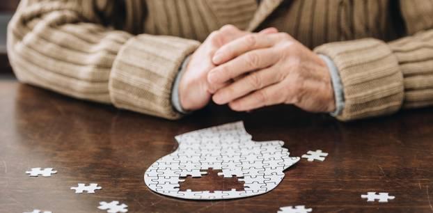 Demenz: Tipps für Angehörige: Puzzle mit Lücken