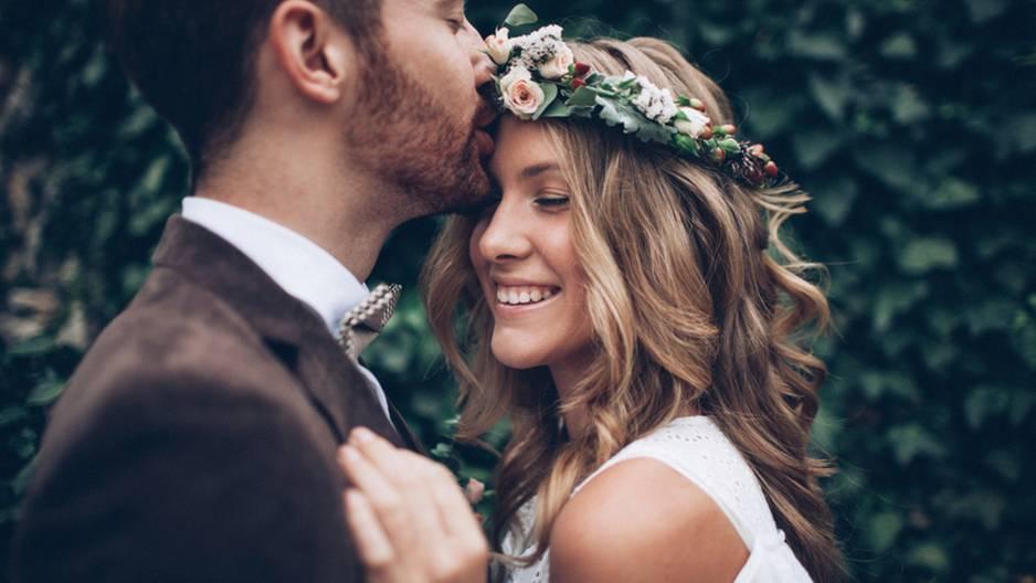 Diese Sternzeichen geben die besten Ehemänner ab: Hochzeitspaar