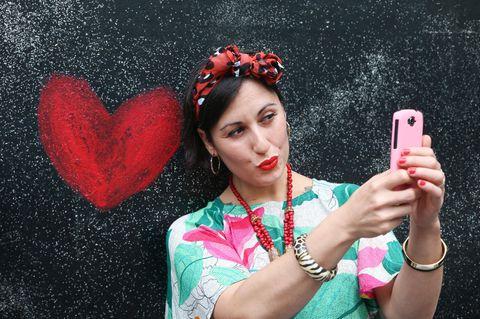 Tinder-Shaming: Warum es gar nicht peinlich ist, sich über eine App kennenzulernen