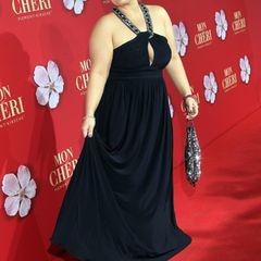 Maite Kelly : im schwarzen Kleid auf dem roten Teppich