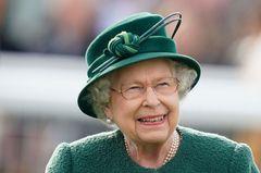 Queen Elizabeth II. schminkt sich stets selbst!
