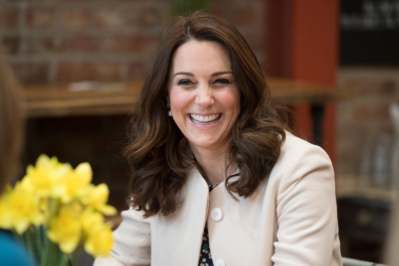 Herzogin Kate antwortet auf ihre Art auf Schwangeschaftsgerüchte