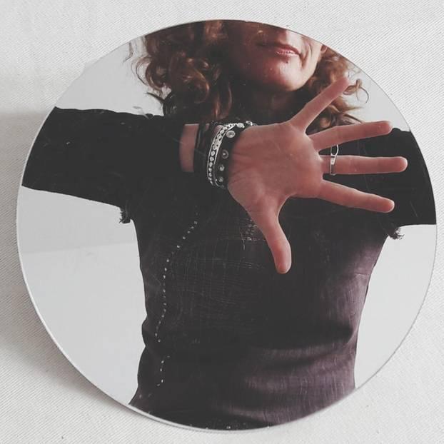 Länger jung bleiben: 5 schräge Methoden gegen den Verfall