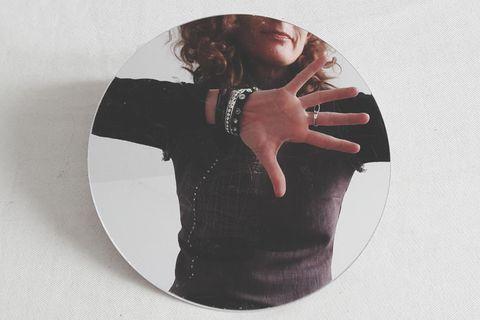 Länger jung bleiben: Tipps gegen den Verfall: Frau im Spiegel