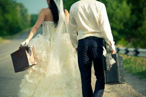 Braut sammelt 30.000 $ Spenden, sagt Hochzeit ab und will die Kohle nun verjubeln