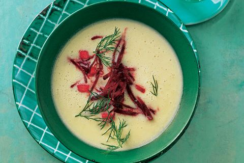 Selleriesuppe mit Rote-Bete-Apfel-Relish