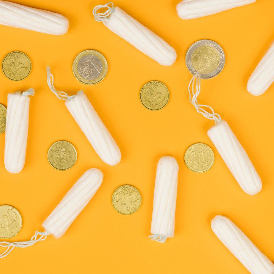 Endlich: Tampons, Binden und Co. werden günstiger!