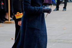 Super stylisch: Meghan setzte an diesem Tag auf schwarze Schaftstiefel mit hohem Absatz des Labels Tamara Mellon sowie ...
