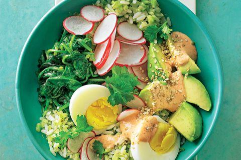 Poke-Bowl mit Ei