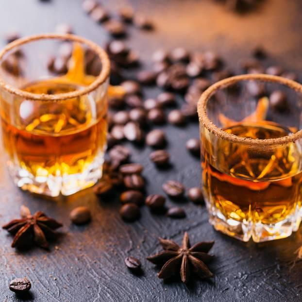 Erkältungen: Whiskey im Glas