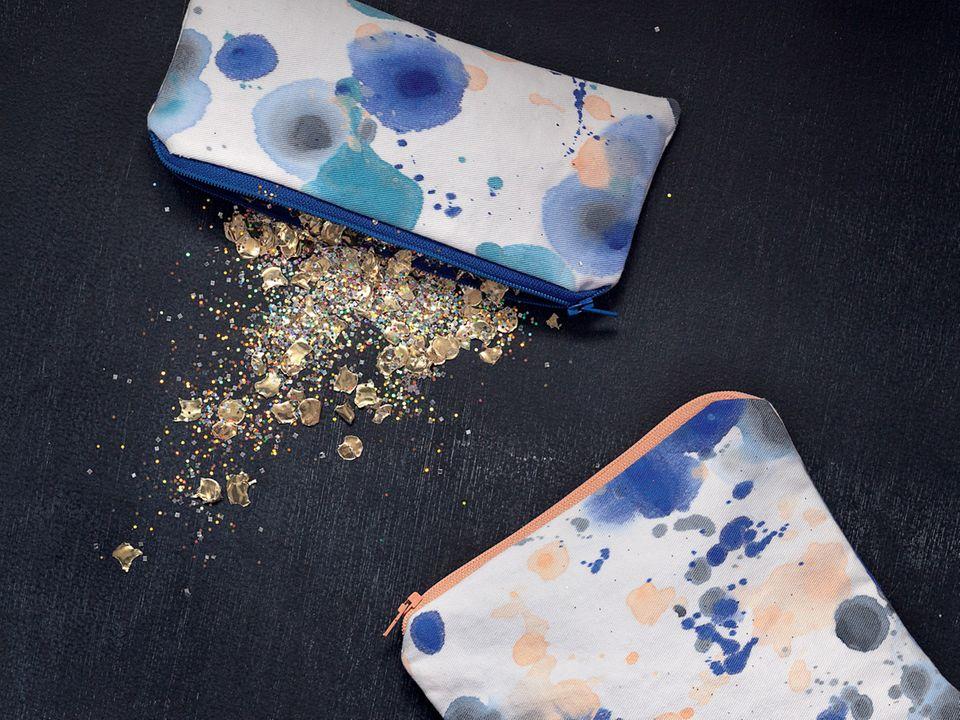 Geschenke nähen: Zwei bunte Kosmetiktaschen