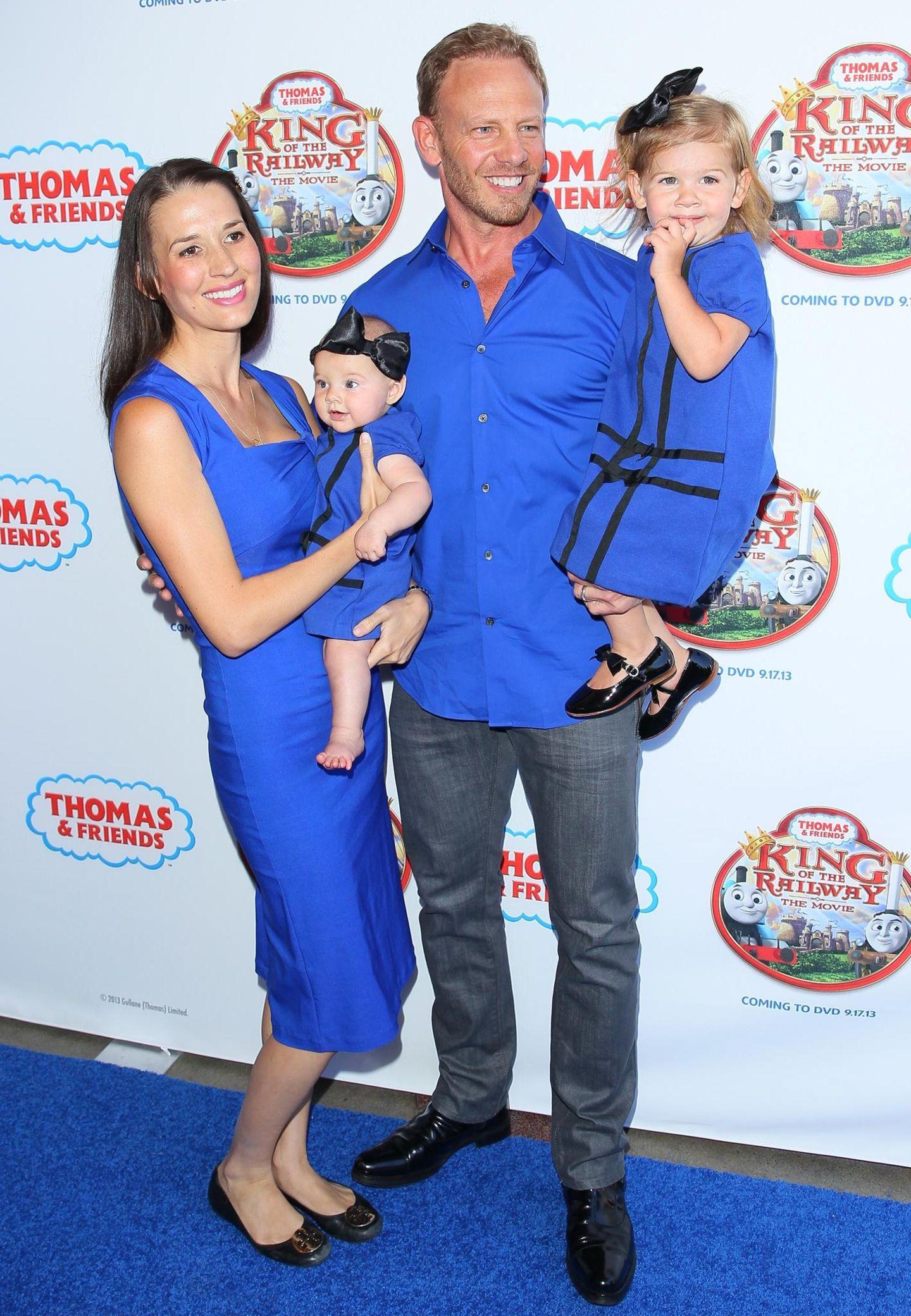 Stars im Partnerlook: Ian Ziering mit Familie