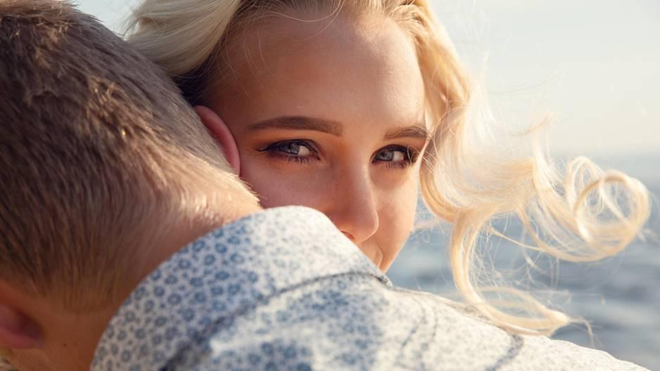 5 Sternzeichen, die in der Liebe ein echtes Treueproblem haben!