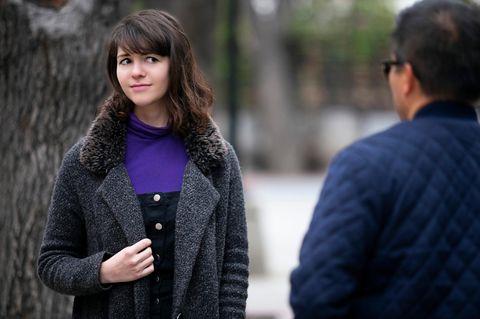 Déjà-vu: Eine junge Fraut sieht einen Mann und hat ein Déjà-vu
